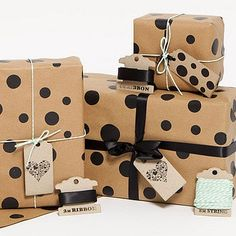 'Espresso Dots' Gift Wrap Set 3 Sheets of gorgeous gift wrap perfect for all occasions. The Espresso Dots Brown Gift Wrap consists of chic black dots hand screen printed onto Luxury Traditional Brown Paper. This Gift Wrap is recycled and printed u. Noel Christmas, Christmas Paper, Christmas Wrapping, Christmas Packages, Creative Gift Wrapping, Creative Gifts, Wrapping Ideas, Wrapping Gifts, Pretty Packaging