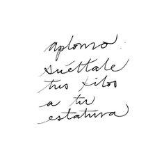 Aplomo. Suéltale los kilos a tu estatura. El peso de tu cuerpo responde hacia abajo en dirección de la fuerza de gravedad y la estatura se organiza de manera antigravitatoria en sentido opuesto. Encuentra el balance al contactar con tus fuerzas internas en oposición.  #InspirahcionesDiarias por @CandiaRaquel  Inspirah mueve y crea la realidad que deseas vivir en http://www.inspirahpilates.com