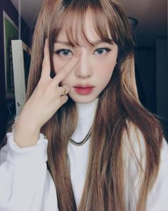 This is Hye-Min Park, better known as Pony Makeup. She's one of South Korea's most influential beauty bloggers with over 2 million subscribers on YouTube and 3.3 million followers on Instagram. | This Girl Transformed Herself Into Kylie Jenner And It's So Good It's Creepy