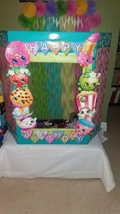 DIY Shopkins photo booth