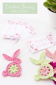 Last Minute Gifts - DIY Easter Crochet Bunny, free pattern - Gift Ideas World Crochet Easter, Crochet Bunny Pattern, Easter Crochet Patterns, Crochet Rabbit, Crochet Diagram, Love Crochet, Crochet Motif, Diy Crochet, Crochet Flowers
