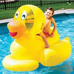 Giant Inflatable Rubber Duck for your pool