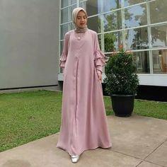 [New] The 10 Best Outfit Ideas Today (with Pictures) - Tari Dress IDR Balotelli All size Abaya Fashion, Muslim Fashion, Dubai Fashion, Dress Brokat, Hijab Trends, Abaya Designs, Muslim Dress, Mode Hijab, Traditional Dresses