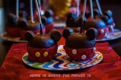 DIY Mickey and Minnie Candy Apples - complete with video instructions from a Disney chef at the Main Street Confectionery in the Magic Kingdom demonstrating how to make the classic Mickey Candy Apple.