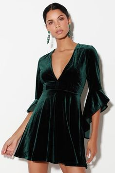 Take a twirl in the Wrapped in Luxe Forest Green Velvet Bell Sleeve Skater Dress! Soft and stretchy velvet skater dress with bell sleeves. Green Dresses For Sale, Forest Green Dresses, Green Formal Dresses, Casual Dresses, Velvet Skater Dress, Green Velvet Dress, Skater Skirt, Blue Velvet, Dress Skirt