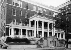 Crawford Long Hospital in old photo ~ Atlanta, Georgia my brother was born here in 1948 Old Images, Old Photos, Georgia State University, Atlanta Georgia, Georgia Usa, Time Of Our Lives, Georgia On My Mind, Local History, Back In The Day