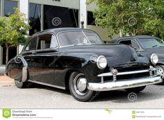 Afbeelding van http://thumbs.dreamstime.com/z/de-oude-auto-chevrolet-26077876.jpg.