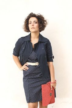 how to wear a LBD, LBD curvy, polka dot dresses, retro style, white and blue polka dots