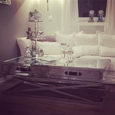 #Repost @vibekevibbe  #interior#classicliving#glam#table