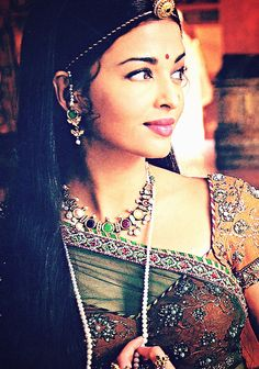 Aishwarya as Rajput (Rajasthan) Princess Jodha in Jodha-Akbar