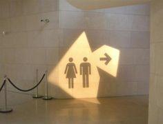 Grappige toiletbordjes (© facebook.com/strbunk)