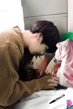 "y-you"",-kth ""Surprise baby"" Taehyung 4 years ago nightmare came back to take what is his. Will Taehyung develop feeling. Namjoon, Jimin Jungkook, Bts Taehyung, Bts Bangtan Boy, Taekook, Boy Band, Vkook Memes, Vkook Fanart, Yoonmin Fanart"
