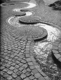 Cobblestone Patio Designs To Bring A Bit Of The Outdoors To Your Home - Bored Art