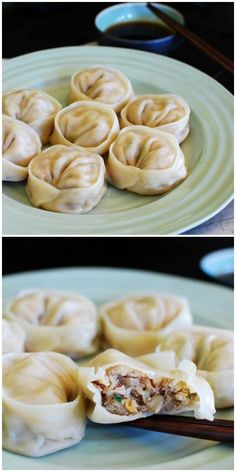 Easy Korean mandu (dumplings) recipe made with Korean Kimchi. Mandu is a must-have during Lunar New Year. Easiest and the best. Easy Korean Recipes, Asian Recipes, Mexican Food Recipes, Asian Desserts, Korean Drinks Recipe, Think Food, Love Food, Korean Dumplings, Korean Dishes