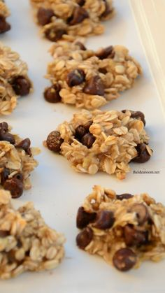 Diet Snacks Gluten Free (with certified GF oats) Skinny Banana Oatmeal Cookies! Eat a treat without feeling guilty. Chocolate Marshmallow Cookies, Chocolate Chip Shortbread Cookies, Toffee Cookies, Chocolate Chip Oatmeal, Chocolate Chips, Healthy Cookies, Yummy Cookies, Sugar Cookies, Skinny Banana Cookies