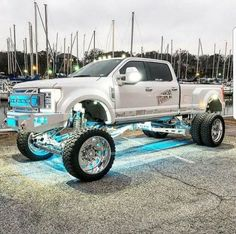 Bilder von klassischen Ford Pickup Trucks What best Modification suits you? Gmc Trucks, Lifted Chevy Trucks, Show Trucks, Ford Pickup Trucks, Jeep Pickup, Cars And Trucks, Chevrolet Trucks, Chevrolet Impala, Chevrolet Silverado