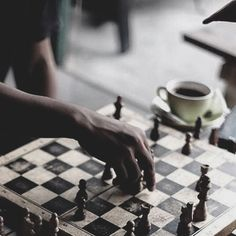 Tom and Ruelle playing chess Pantheon Lol, Der Pakt, Twilight, Roy Mustang, Addicted Series, Wattpad, Ex Machina, The Secret History, Detroit Become Human