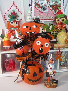 Felt Halloween Shakers original pattern Cotton Pickin' Fun link within post