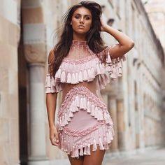 982103d3f030 104.62  Femmes 2017 rose Piste Robe à manches courtes des Femmes Creux Out  Gland De Luxe marque vêtements Manuel Main Perles Robe dans Robes de Mode  Femme ...