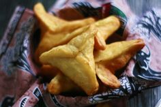 Fataya à la viande marinée - Aistou Cuisine Snack Recipes, Snacks, Beignets, Chips, Food And Drink, Cooking, Pastels, Blog, Art