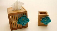 As suas peças e objetos vão ficar muito mais bonitos se você decorá-los com esta flor de fita adesiva que vamos ensinar a fazer com todo o passo a passo