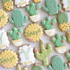Iced Cookies, Cute Cookies, Royal Icing Cookies, Cupcake Cookies, Sugar Cookies, Cupcakes, Cake Decorating Techniques, Cake Decorating Tips, Cookie Decorating