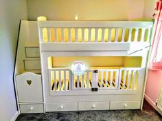 Bunk beds with removable cotgates