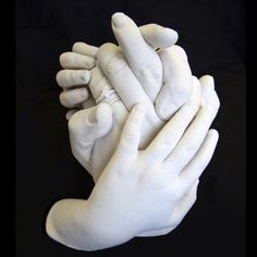 Family hand casting: Fantastic results with The Edinburgh Casting Studios Home Casting Kits. Plaster Hands, Plaster Cast, Hand Sculpture, Sculptures Céramiques, Hand Statue, Life Cast, Body Cast, Plaster Of Paris, Crafts