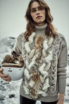 Guarda la sfilata di moda Belstaff a Londra e scopri la collezione di abiti e accessori per la stagione Collezioni Autunno Inverno 2016-17.