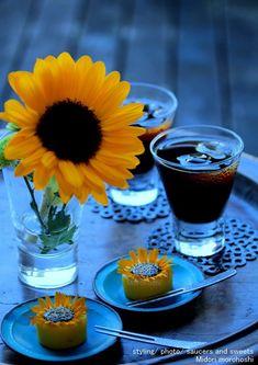 ひまわり(マンゴーと紅茶の練り切り) の画像|モード系*和菓子 + 器 のテーブルスタイリング
