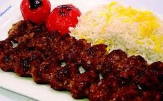 Chelo-Kabab: The National Dish of Iran Chelo Kabab Recipe, Chelo Kebab, Kebab Recipes, Rice Recipes, Beef Recipes, Persian Rice, Iran Food, Middle Eastern Dishes, National Dish