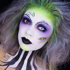 Epic Beetlejuice inspired Halloween make up look. Beetlejuice Makeup, Beetlejuice Halloween, Female Beetlejuice Costume, Beetlejuice Characters, Disfarces Halloween, Halloween Cosplay, Halloween Face Makeup, Ladies Halloween Costumes, Artistic Make Up