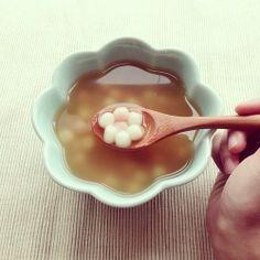 冬至用安達窯蓮藕碗吃湯圓,你吃了嗎?彈牙中…… #日光搖滾 #taiwan #taipei #atelier #handmade #安達窯
