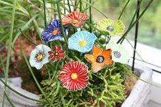 1 Stück Keramikblume als Pflanzenstecker, Beetstecker, Gartenstecker  Als Gartenkeramik, Gartendeko oder Pflanzendeko, die kunstvoll und facettenreich gefertigten Keramikblüten bringen deine...