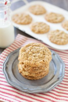 This is the best recipe for old fashioned oatmeal cookies. The recipe makes 24 thin and chewy oatmeal cookies that are loaded with spicy flavor! You'll love these cookies all year round! Recipe For Old Fashioned Oatmeal, Old Fashioned Oatmeal Cookies, Pumpkin Cookies, Chip Cookies, Best Comfort Food, Comfort Foods, Summer Cookies, Holiday Baking, Sweet Recipes