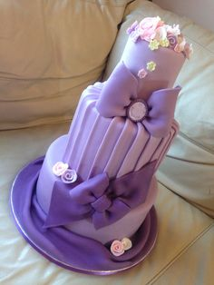 Comadre Lola Salcedo , when I saw this cake I thought of you.  :)   Angie Marquez Birthday Cakes - lavender, purple, lilav
