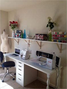 Creative Shelving Ideas for Small Craft Room - The Urban Interior Ikea Sewing Rooms, Small Sewing Rooms, Sewing Desk, Small Craft Rooms, Sewing Spaces, Sewing Tables, Sewing Craft Table, Craft Tables, Craft Desk
