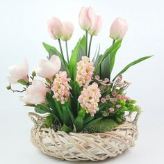 Easter Flowers, Diy Flowers, Pretty Flowers, Flower Vases, Christmas Tree Gif, Indoor Orchids, Modern Flower Arrangements, Deco Floral, Diy Easter Decorations