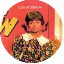 Hee Haw - roni stoneman I met her as a little girl as she helped my grandma up a hill at a ruby mine in NC. Hee Haw Show, Grandpa Jones, Ken Burns, Tv Shows Funny, Grand Ole Opry, Tv Times, Old Tv Shows, Tv Guide, Tvs