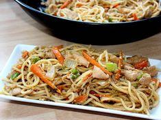 Kínai sült tészta Asian Recipes, Ethnic Recipes, Japchae, Recipies, Spaghetti, Food And Drink, Chinese, Yummy Food, Cooking