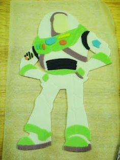 How to make a 2D Buzz Lightyear fondant figure.
