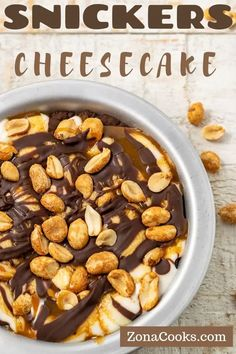 Snickers Cheesecake Recipe for Two Mint Chocolate Cheesecake, Fluffy Cheesecake, Lemon Blueberry Cheesecake, Mint Cheesecake, Snickers Cheesecake, Cheesecake Tarts, Cheesecake Recipes, Salted Caramel Desserts, Salted Caramel Sauce