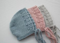 Baby Hats Knitting, Crochet Baby Hats, Knitting For Kids, Crochet Yarn, Knitted Hats, Tricot Baby, Lace Knitting Patterns, Baby Bonnets, Booties Crochet