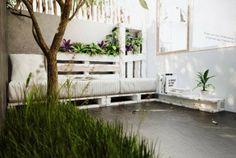 Arredare giardino con i bancali - Idee fai da te per gli spazi esterni - Decorate garden with pallets - DIY ideas for outdoor spaces Gazebo, Diy Pergola, Outdoor Reading Nooks, Small Balcony Design, Small Patio, Outdoor Seating Areas, Garden Seating, Outdoor Spaces, Wooden Planters