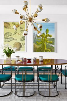Dining Room Rules: Industrial Dining Room Lighting As The Key Fixture Mid-century Interior, Top Interior Designers, Home Interior Design, Interior Decorating, Simple Interior, Mid Century Modern Dining Room, Mid Century Modern Colors, Mid Century Chandelier, Industrial Dining