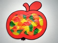 Knutsel een appel - thema Sneeuwwitje Diy Crafts For Kids Easy, Diy And Crafts, Arts And Crafts, Autumn Crafts, Nature Crafts, Apple Life Cycle, Tissue Paper Art, Kindergarten Projects, Apple Unit