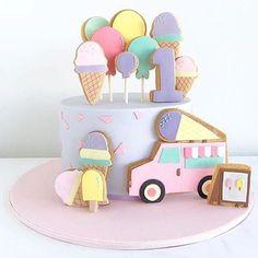 {bolo} Tema sorvete! Que amor esse bolo!  by @spoonandfork_sydney  #bolo #cake #cakedesign #festasorvete #temasorvete #bolosorvete #festa #ideias #aniversario #aniversarioinfantil #detalhesdafesta
