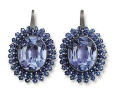 Hemmerle earrings with tanzanites and sapphires set in silver and white gold. Photo courtesy of Hemmerle