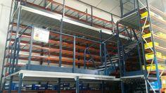 Montaje de estanterías metálicas industriales en Tenerife