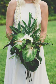 Colourful Hawaiian Wedding   Maui Maka Photography   Bridal Musings Wedding Blog